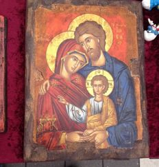 Byzantine icon depicting the holy family, carved wood - 30 cm