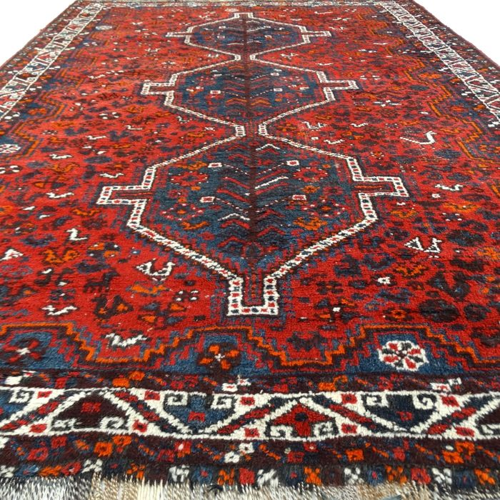 "SHIRAZ – Iran – 290 x 195 cm. – ""Persian authentic carpet in 100% Wool"" – Second half previous century"