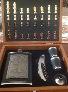 Chess set - Jack Daniel's - in very good condition