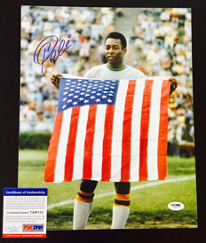Pele  / Brasil - Signed Photo 28x35 cm -  with Certificate of Authenticity PSA/DNA