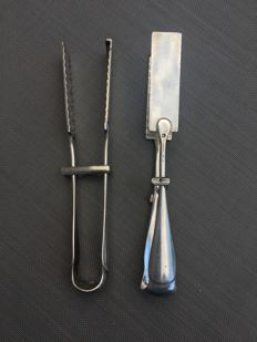 2 classic silver plated asparagus tongs (stamped) - Noublanche? - circa 1900