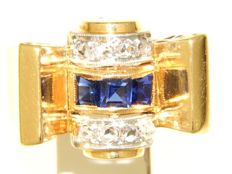 18ct yellow golden bow ring with sapphires and old cut diamonds, size 58