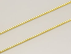 18k Gold Necklace. Box Chain - 50 cm