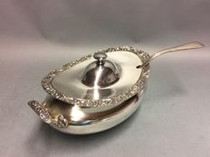 Impressive silver plated tureen with ladle, Rogers Meridien plate, U.S.A., ca. 1890