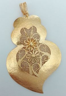 Pendant in 19.25 kt (800/1000) gold – Hand-crafted Portuguese filigree – Weight: 19.5 g