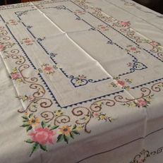 Tablecloth for six people