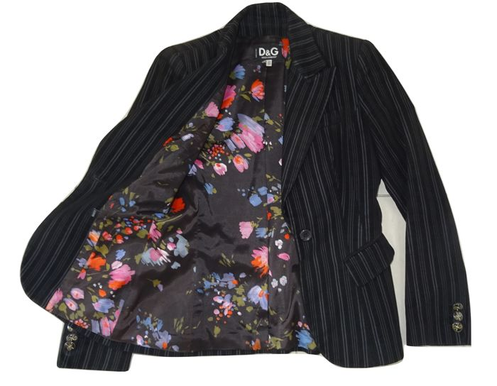 Dolce & Gabbana – Gorgeous, very exclusive jacket with a free, exclusive Oilily skirt