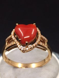 18k gold ring with coral and 0,18ct diamond - size 13