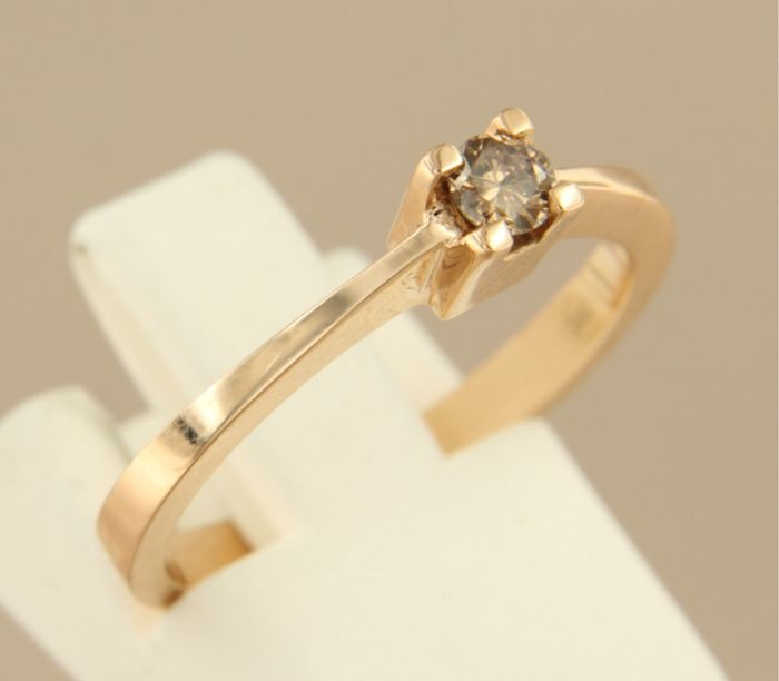 14 kt rose gold solitaire ring set with 0.14 carat champagne-coloured brilliant cut diamond, ring size 17.25 (54)