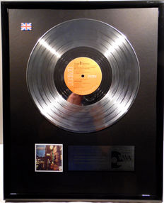 "David Bowie - The Rise and Fall of Ziggy Stardust an the Spiders from Mars - 12"" UK platinum plated record by WWA Awards"