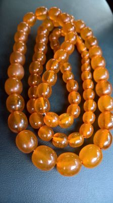 Natural Baltic Amber long beads necklace ca. 1920-1930,  72 grams.