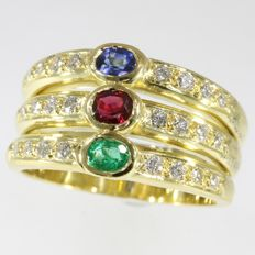 18k yellow gold ring with sapphire, ruby, emeralds and 24 brilliant cut diamonds; Ring size: EU-56 & 17¾, USA-7½, UK-O½
