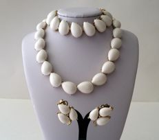 Crown TRIFARI Gold Plated Milk Glass Necklace Bracelet and Earrings Set
