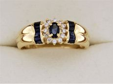 18 kt yellow GOLD, Sapphire, and Diamond ring