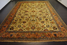 *Semi-antique * Persian carpet *made in Iran *Art Nouveau carpet *Tabriz Province *295 x 395 cm *clean *very good condition