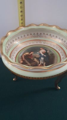 Porcelain Comport - Painted and signed Luca Giordano