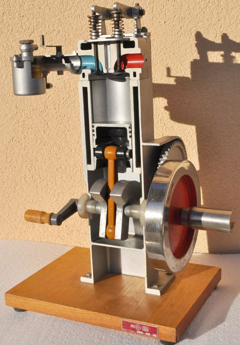 Demonstration model of a four stroke engine with a carburetor - 20th century