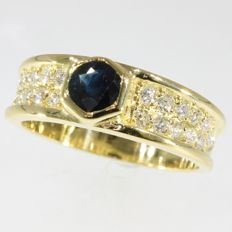 18k Yellow gold sapphire and diamond engagement ring - Size EU-53