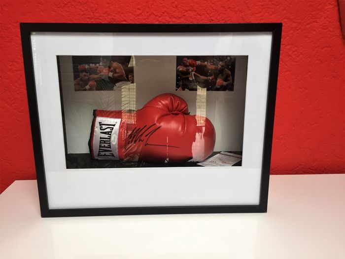 Mike Tyson - Signed boxing glove IN A  FRAMED DISPLAY CASE
