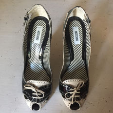 MOSCHINO OPEN TOE PUMPS - No reserve price