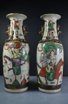 Lot of Two Nanking/Nanjing crackle vases – China – Circa 1920