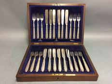 Silver plated fish cutlery for 12 people, in original wooden case, B. Mallinson, Huddersfield, England, ca. 1880