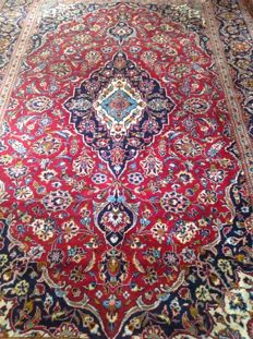 Wonderful & Original Persian Iran Kaschan Finely hand knotted 195x308 cm with certificate of authenticity Top Condition & Quality