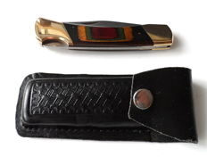 Beautiful bear knife, brass fittings, leather case, Canada around 1990