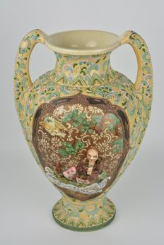 A large vase in Satsuma pottery (approx. 41.5 cm) - Japan - approx. 1920