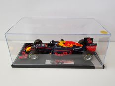 Minichamps - Scale 1/18 - Red Bull Racing Tag Heuer RB12 1st win Spanish GP 2016 - Max Verstappen hand signed