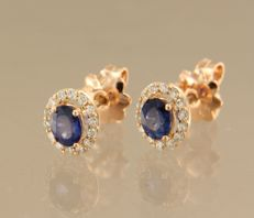 14 kt rose gold rosette ear studs of with sapphire and 28 diamonds, approx. 0.22 carat in total – Size 8.0 mm x 6.8 mm