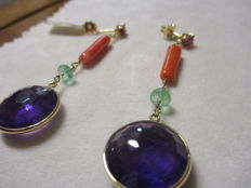 Earrings in 18 kt Yellow Gold with Amethyst, Coral, Emerald and Ruby — length: 6.9 cm