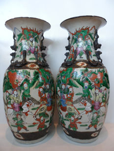 A pair of large nanking vases – China – late 19th century