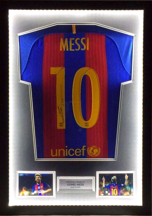 Messi / Signed shirt / Certificate of authenticity / 2016/2017 season