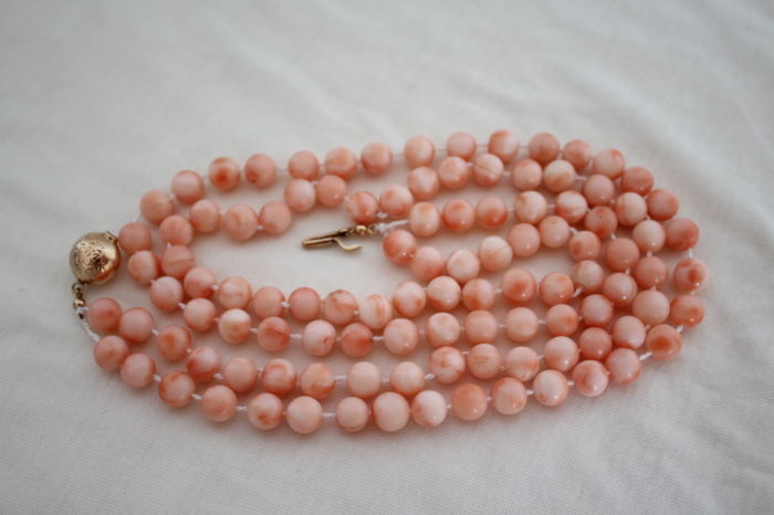 Authentic Japanese coral necklace with 14K golden closure - 96 cm -