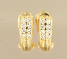 18 kt yellow gold earrings, set with sixteen brilliant-cut diamonds of approx. 0.48 ct in total and 1.4 cm by 5.3 in size