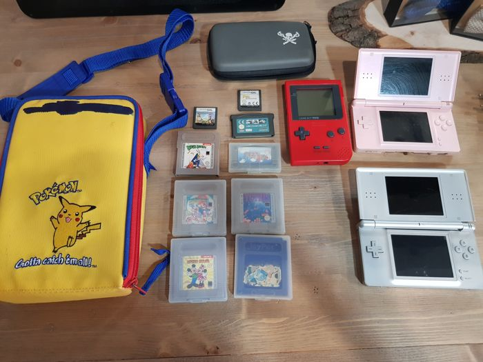 Lot of 2 nintendo DS Lite console and nintendo gameboy pocket with 10 games