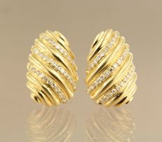 18 kt yellow gold clip-on earrings set with 68 single cut diamonds - 1.9 cm long x 1.3 cm wide NO RESERVE PRICE