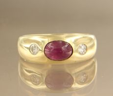14 kt yellow gold ring with ruby and brilliant cut diamonds, ring size 17 (53)