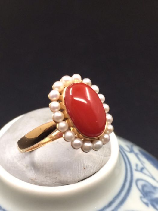 18k gold coral pearl ring - size 14