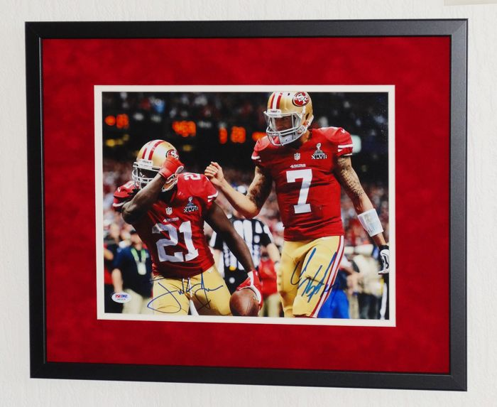 Colin Kaepernick en Frank Gore original double signed photo - Premium Framed + Certificate of Authenticity from PSA