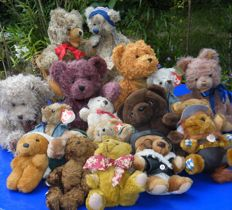 Lot of 18 Teddy bears - Hermann, Steiff, TY, Russ and others - Germany