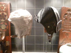 Pair of original leather Convertible or motorcycle hats - man and woman - Ca 1925-1930 - Italy