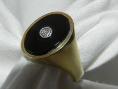 Onyx and diamond ring 14 kt / 585 gold –  17.7 mm diameter