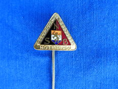 "NSB - Very beautiful five years wear mark ""Hou en Trou"" NSB pin with member number 10400 WW2."