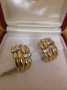 18 kt yellow and white gold earring with diamonds weighing  0.27 ct