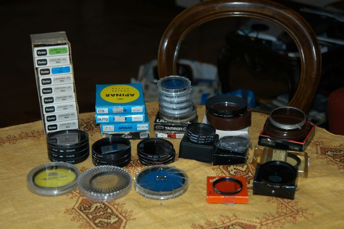 IMPORTANT lot consisting of FILTERS AND LENSES for a total of 45 items