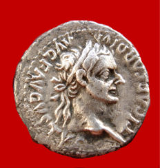 "Roman Empire - Tiberius (14-37 A.D.) silver denarius (3,47 g. 19 mm.), Lugdunum mint, 16-37 A.D. ""PONTIF MAXIM"" Female figure (Livia as Pax)"