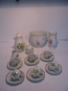 Hollohaza porcelain coffee/tea set, a flower pot and a vase