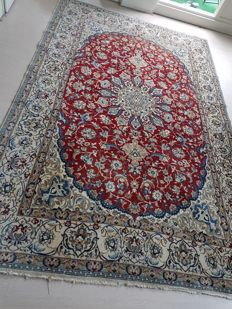 Persian carpet Nain with silk - 20th century, approx. 346 x 255 cm.